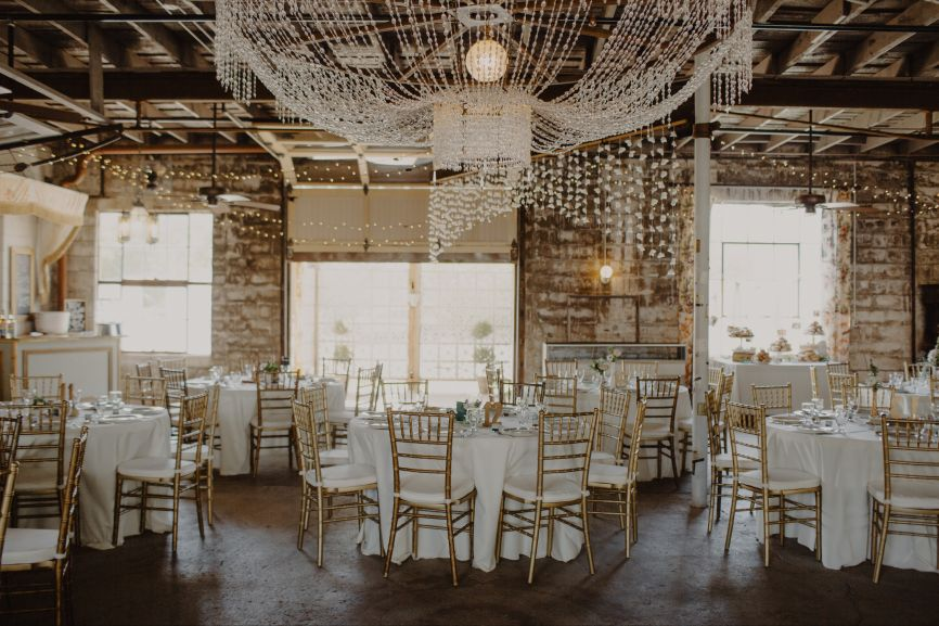866x577px.vintage_warehouse_brunch_wedding_reception.jpg