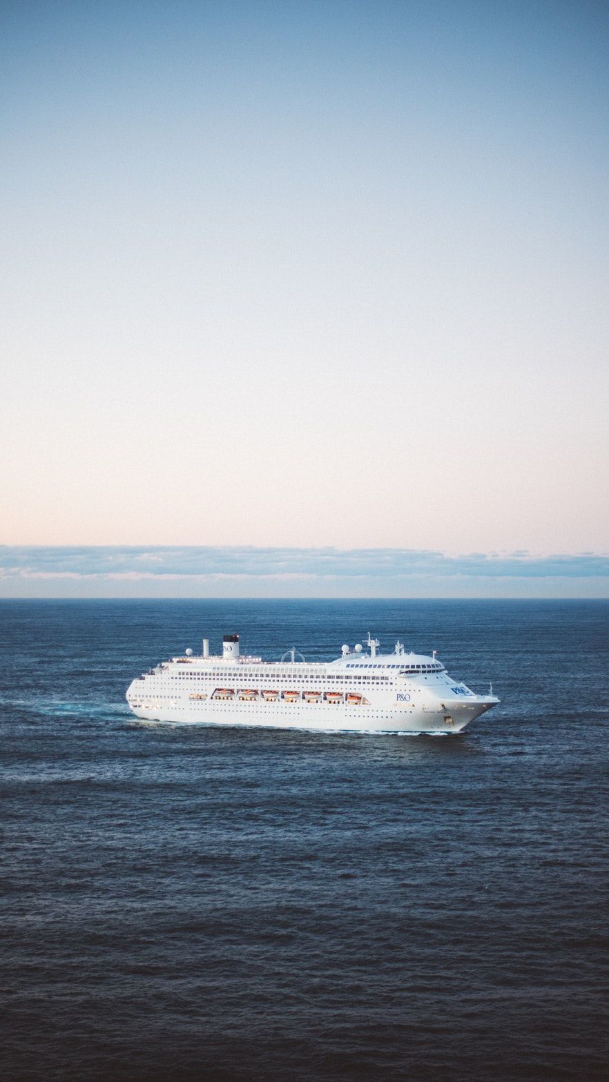 a_lonely_cruise_ship_that_wants_to_be_on_the_blog.jpeg