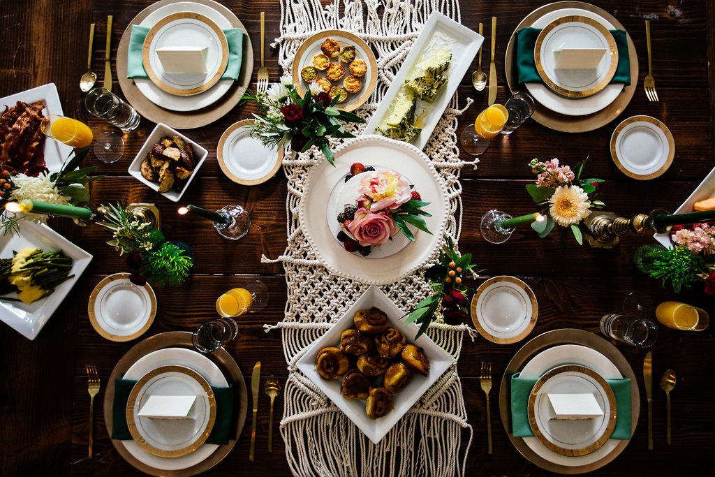above_shot_of_bridal_brunch_table_with_macrame.jpg