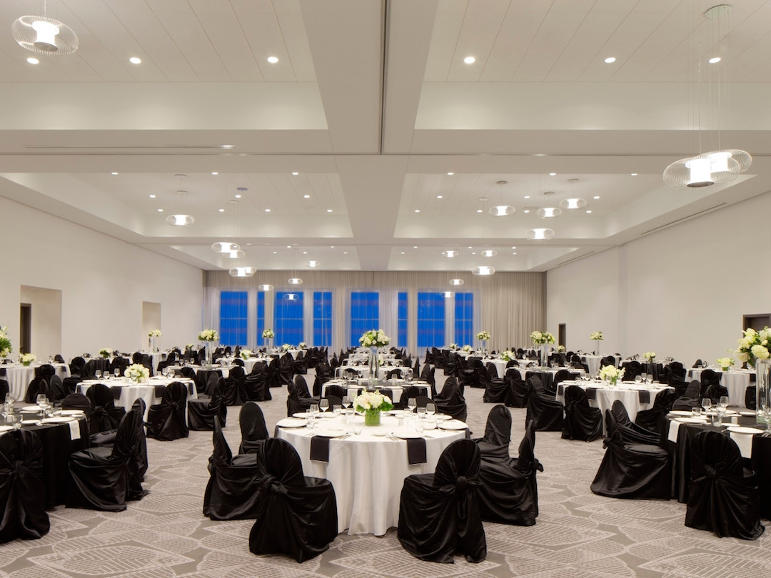 banquet_seating_in_ballroom.jpg