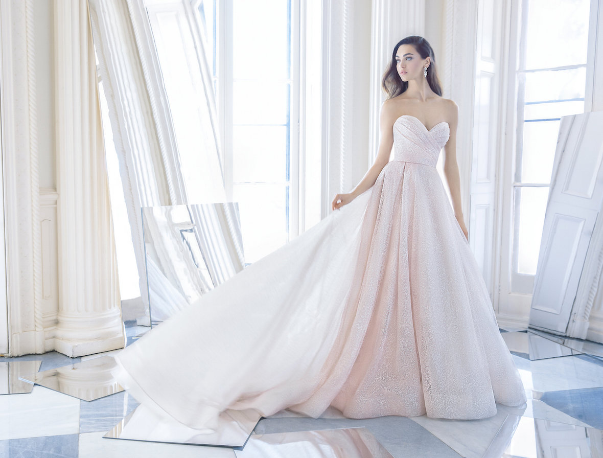 blush_wedding_gown_Lazaro.jpg