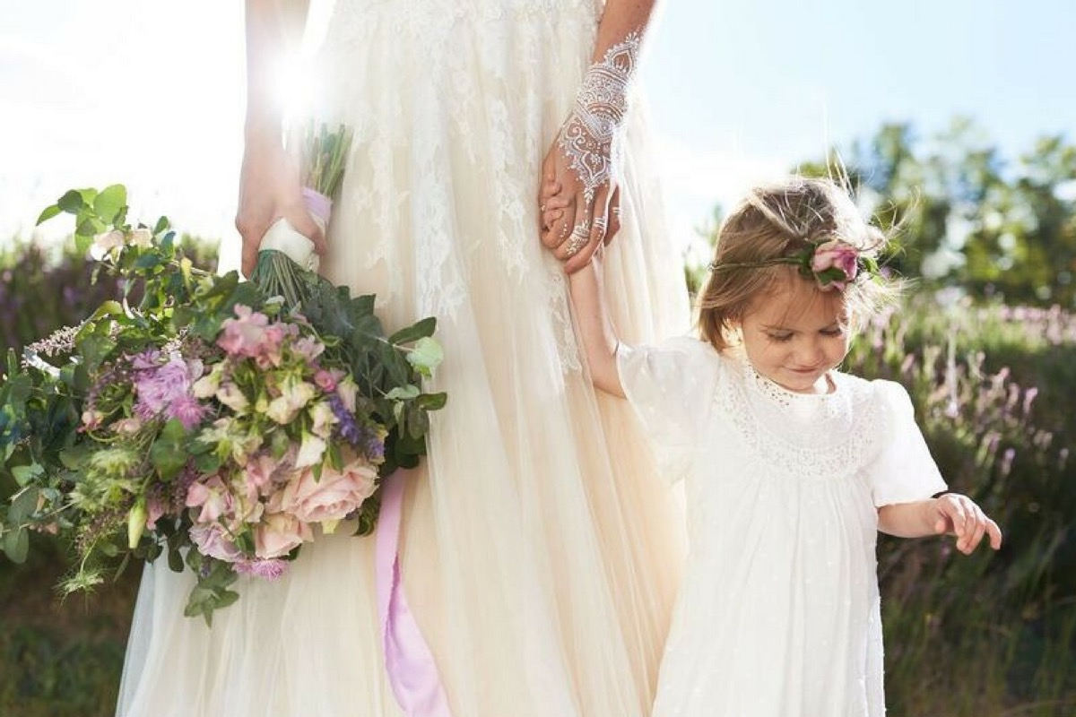 boho_bride_and_flower_girl.jpg