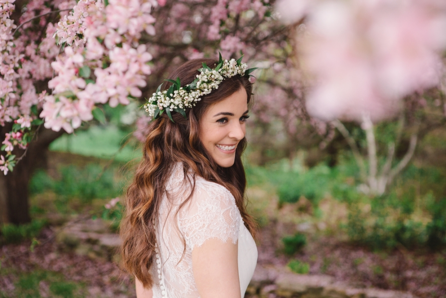 bride_babys_breath_flower_crown_hair_down_cherry_blossoms.jpg