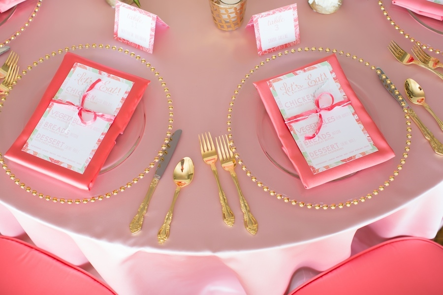 bright_blush_pink_table_setting_gold_dotted_plates.jpg