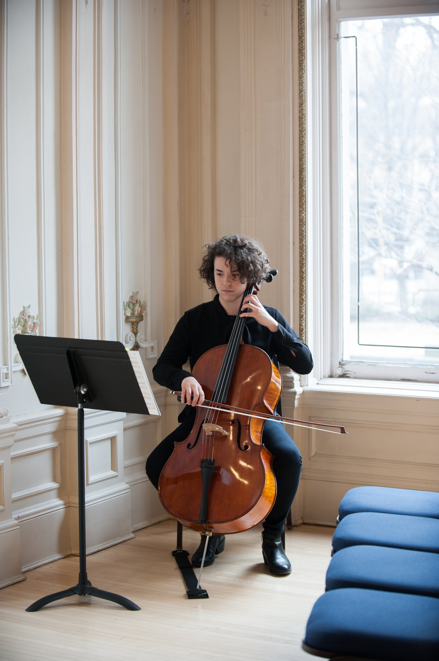 cello_player_at_indoor_minneapolis_wedding_ceremony.jpeg