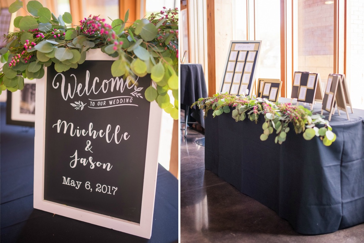 chalkboard_calligraphy_welcome_sign_navy_tablecloths.jpg
