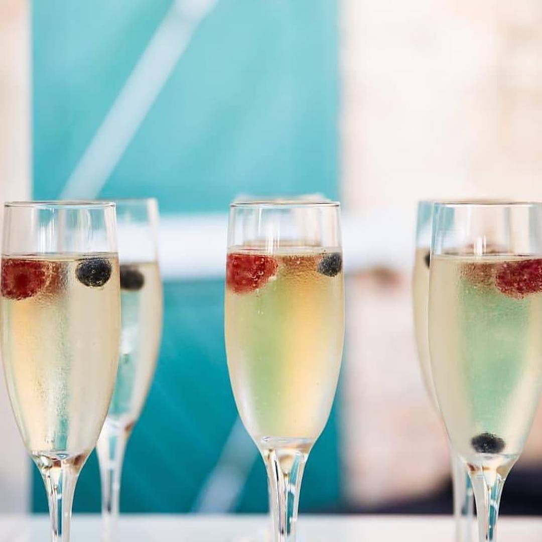 champagne_with_fruit_in_it.jpg