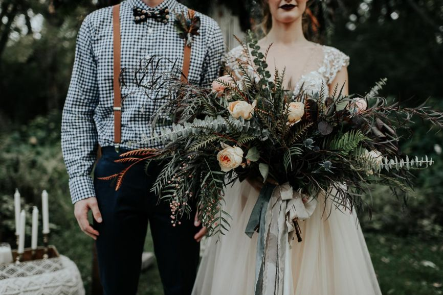closeup_of_hipster_fall_wedding_bride_and_groom.jpg