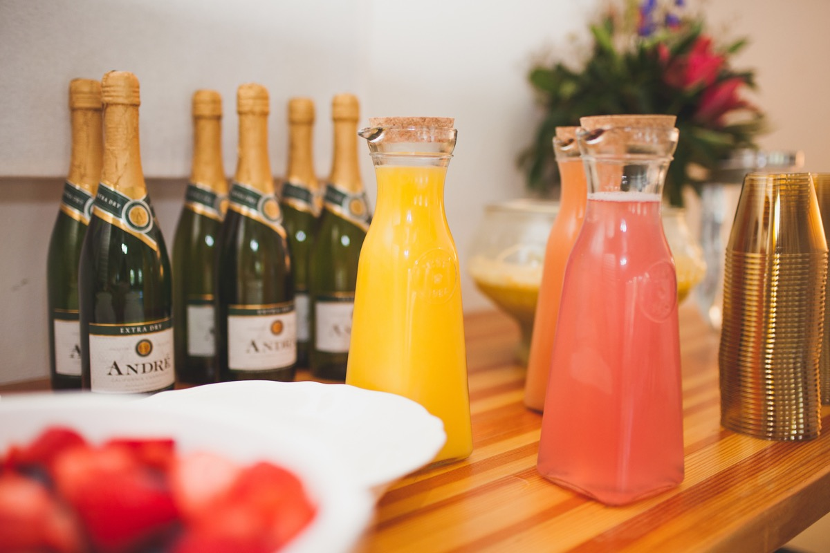 closeup_of_mimosa_glasses_champagne_.jpg