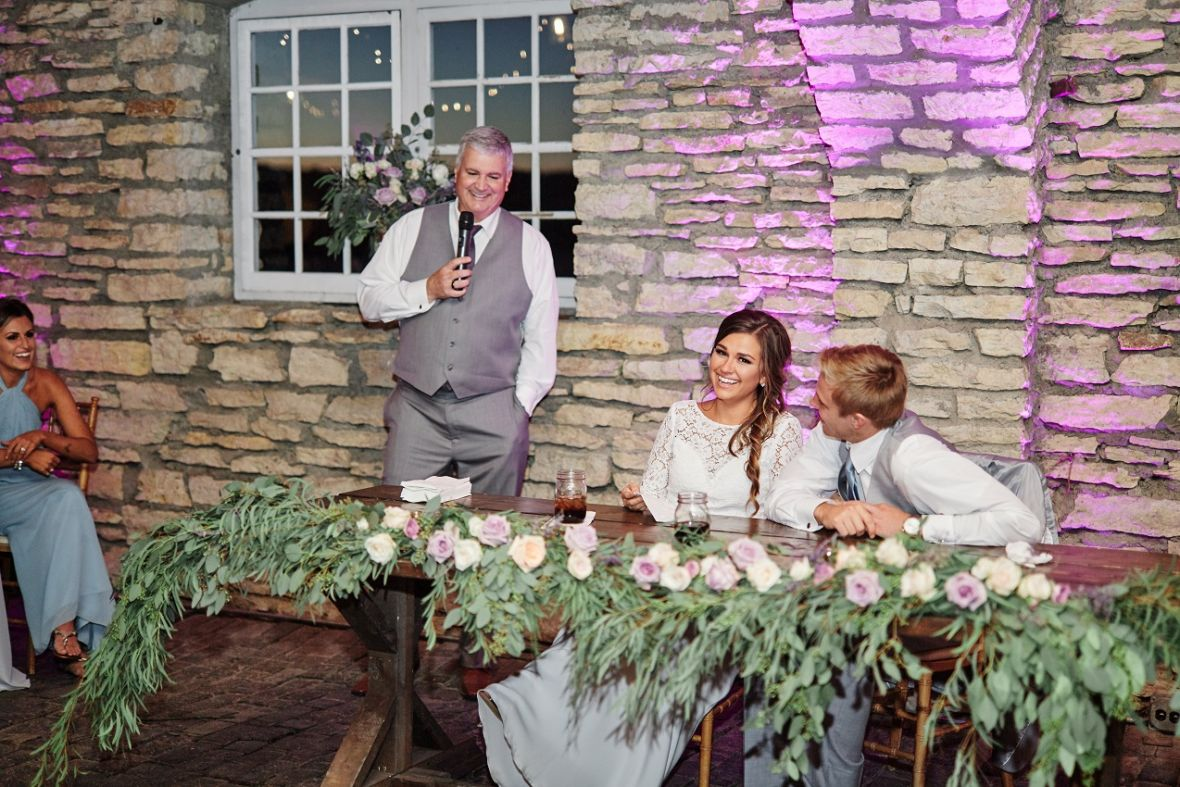 dad_giving_father_of_the_bride_speech_laughing.jpg