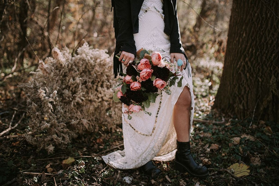 dark_edgy_romantic_burgundy_black_wedding_color_scheme_fall.jpg