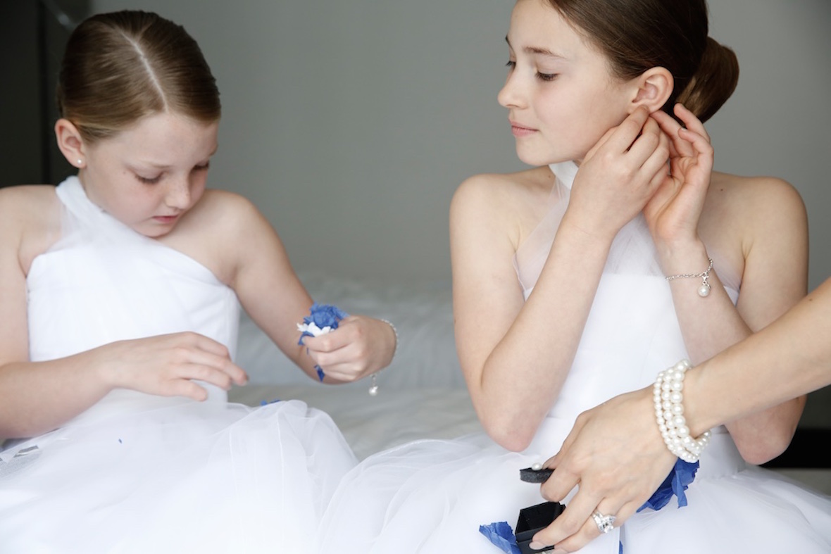 flowergirls_getting_ready.jpg