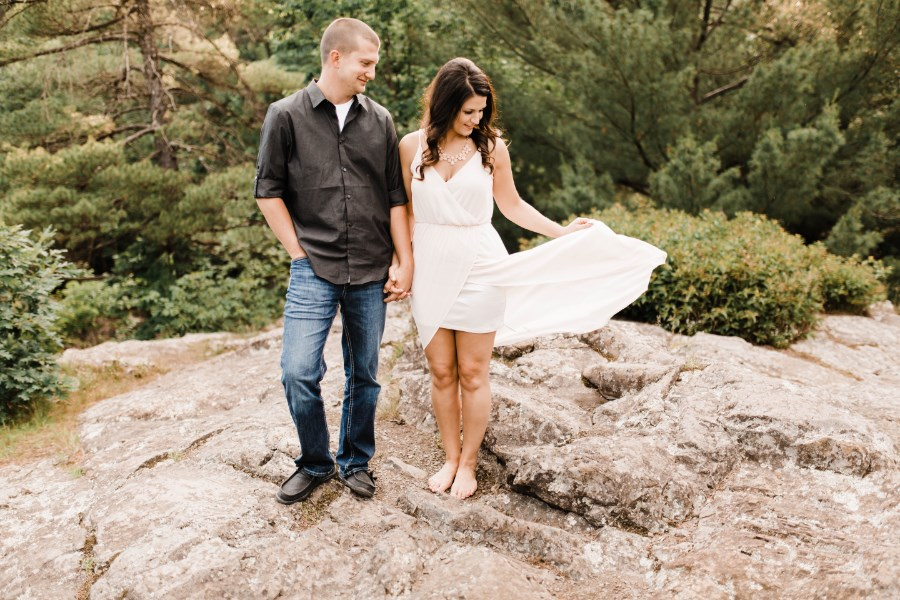 flowy_white_dress_taylors_falls_engagement_photos.jpg