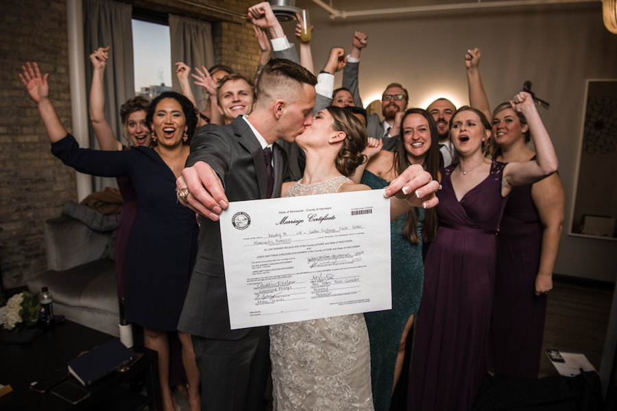 fun_marriage_certificate_group_picture.jpg