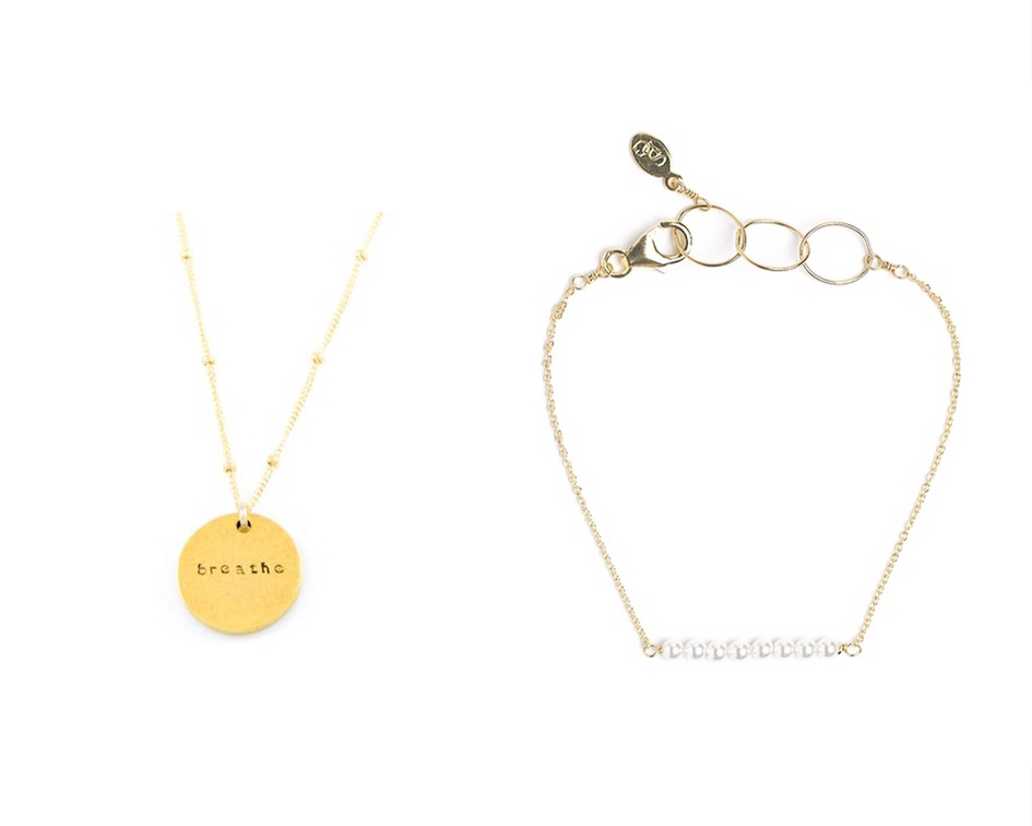 gold_necklace_minimal_last_minute_christmas_gift.jpg