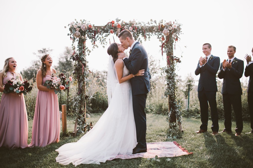 kiss_at_end_of_ceremony.jpg