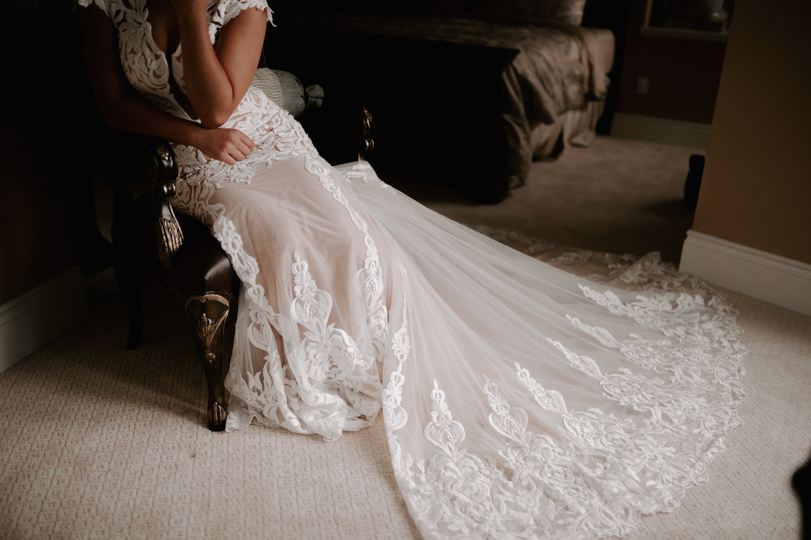 lace_overlay_wedding_dress_off_white.jpg