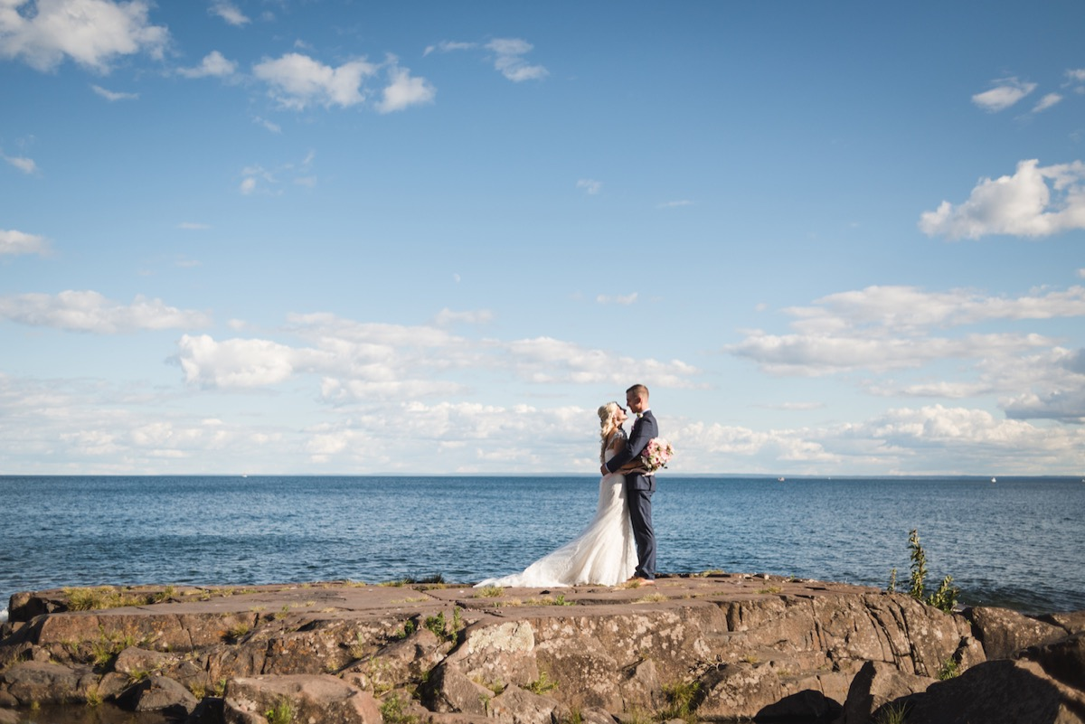 lake_superior_north_shore_minnesota_wedding.jpg