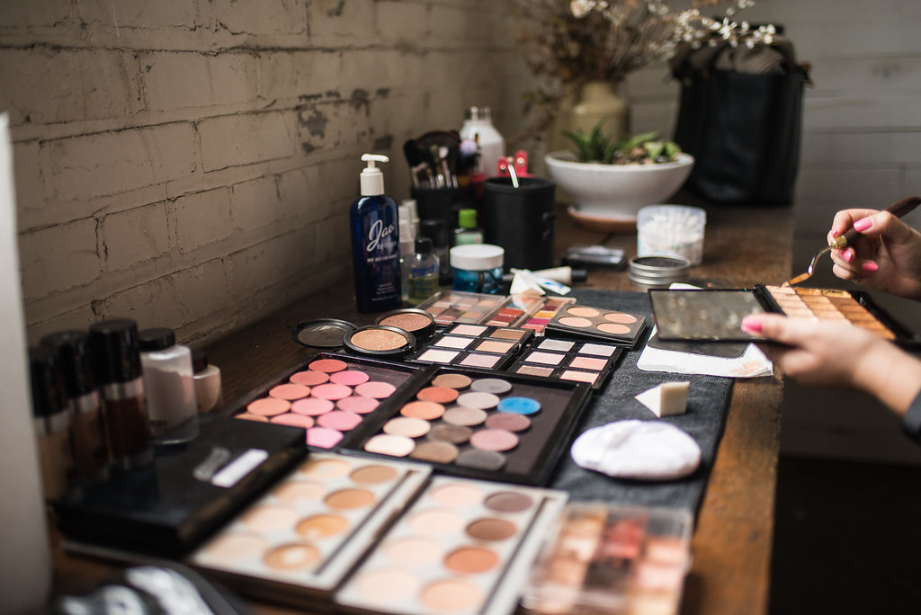 makeup_artist_palettes_preparing_for_bridal_makeup.JPG