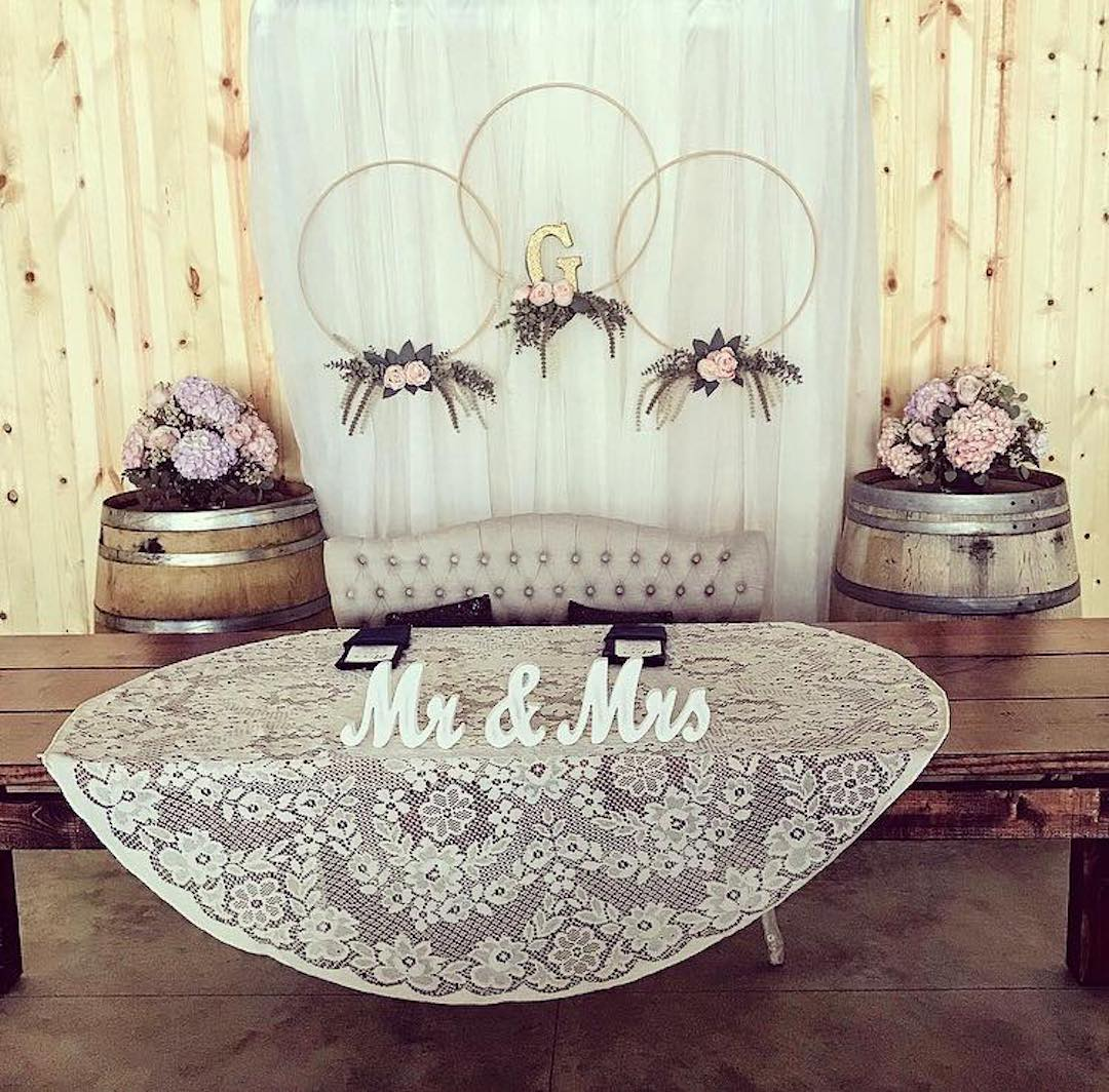 mr-and-mrs-table-lilacs-and-lace.jpg