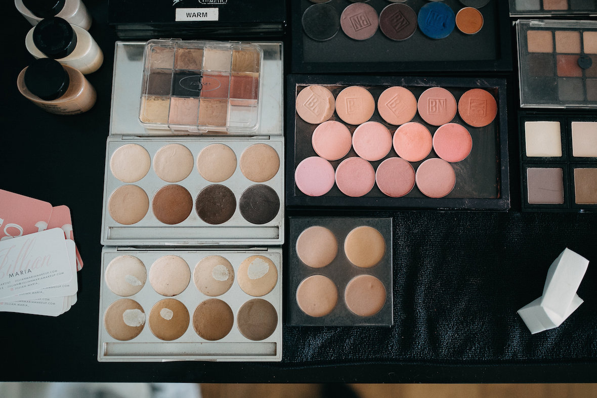 professional_makeup_layout.jpeg