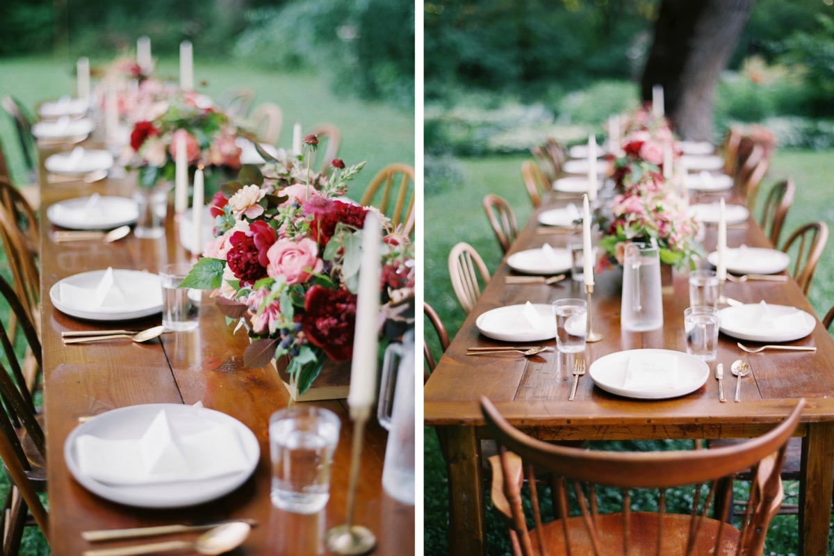 red_flower_tablescape_outdoor_seating.jpg