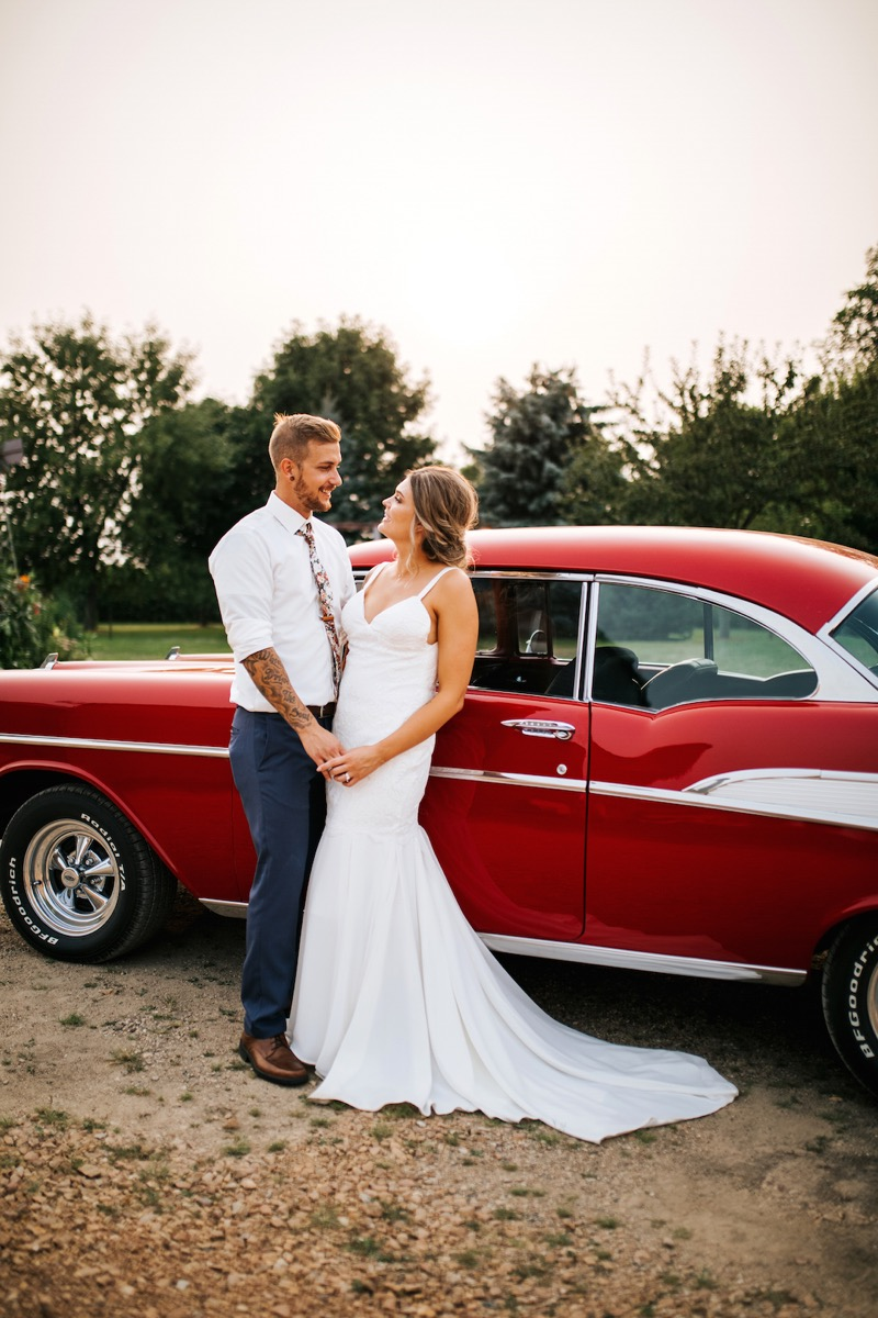 red_vintage_car_for_your_wedding.jpg