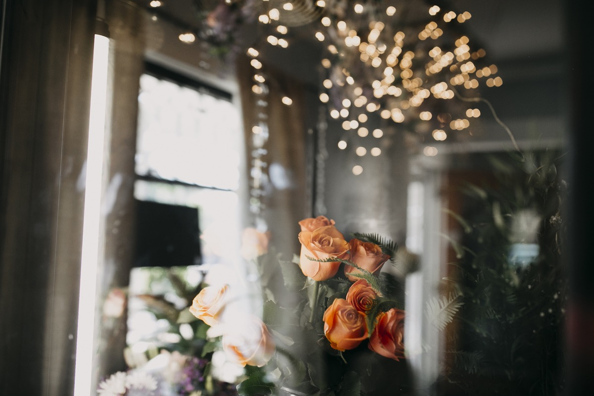roses_and_lights_details.jpg