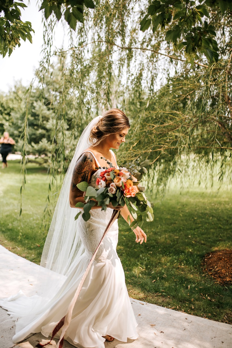 stunning_bride_with_a_half_sleeve.jpg