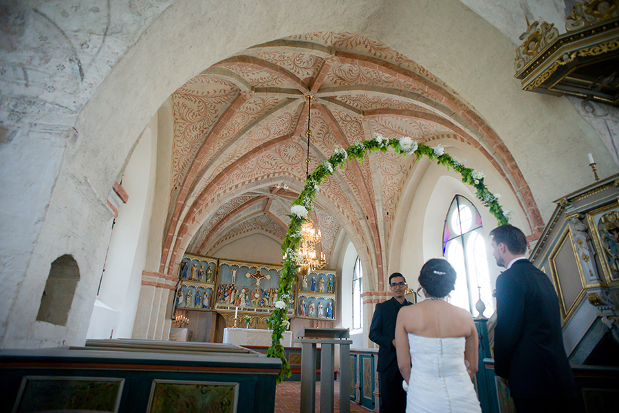 sweden_church_orange_ceiling_wedding.jpg