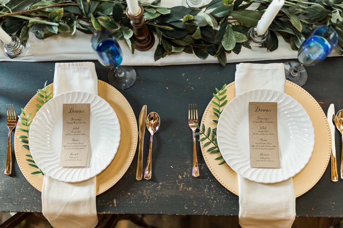 the_white_brick_house_wedding_reception_minnesota_rentals.jpg