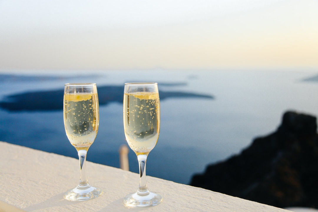 two_champaign_glasses_looking_fancy_in_greece.jpeg