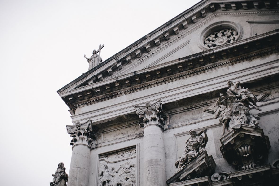 venice_italy_engagement_close_up_of_white_historic_building.jpg