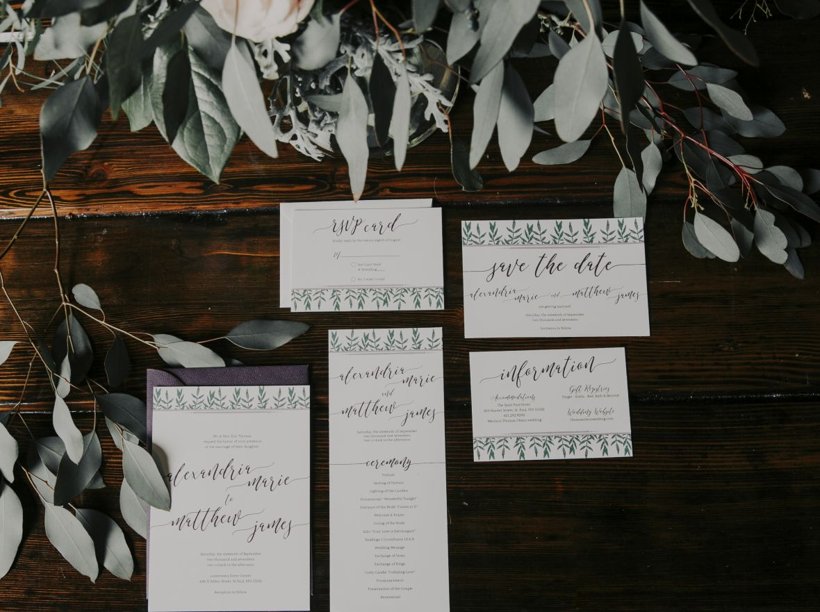 wedding_invitations_greenery_purple_envelopes_dark_romantic_style.jpg
