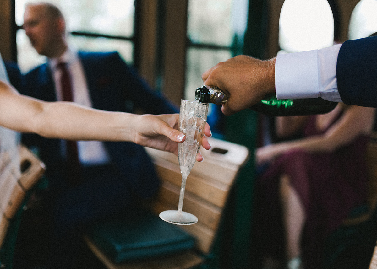 wedding_trolley_pouring_champagne.jpg