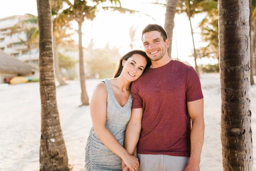 woman_leaning_on_fiances_shoulder_mexico_engagement.jpg